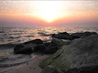 Закат и камни